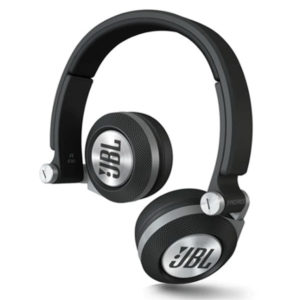 The-Best-Wireless-Headphones-For-A-Tangle-Free-Listening-Experience