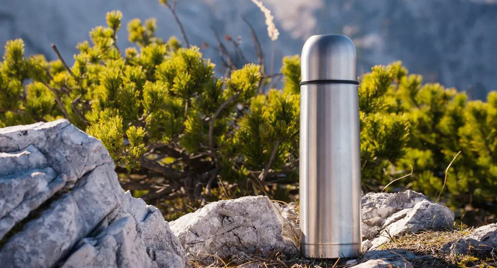 A buying guide for vacuum flasks and bottles to keep warm liquids handy