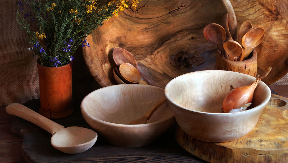 CLEANING AND CARE TIPS FOR WOODEN UTENSILS